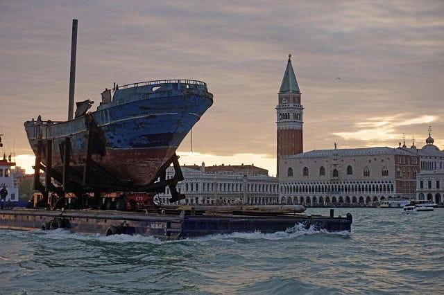 I naufraghi e il commissario Piscitelli   Comunità e territorio